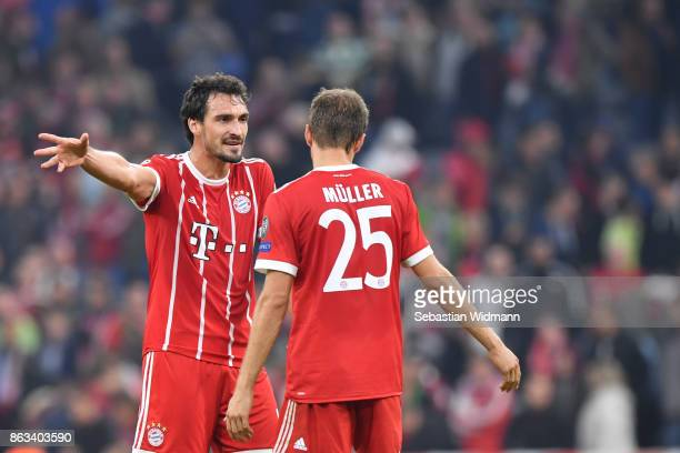 Mats Hummels and Thomas Mueller of FC Bayern Muenchen talk after the UEFA Champions League group B match between Bayern Muenchen and Celtic FC at...
