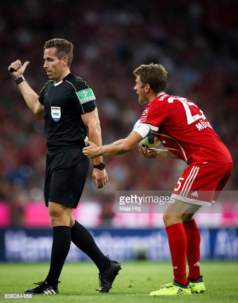 Mats Hummels of Bayern Muenchen argues with a referee during the Bundesliga match between FC Bayern Muenchen and Bayer 04 Leverkusen at Allianz Arena...