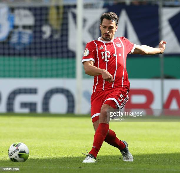 Mats Hummels of Bayern Muenchen controls the ball during the DFB Cup first round match between Chemnitzer FC and FC Bayern Muenchen at community4you...