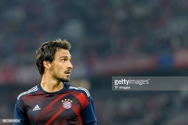 Mats Hummels of Bayern Muenchen looks on during the UEFA Champions League group B match between Bayern Muenchen and Celtic FC at Allianz Arena on...