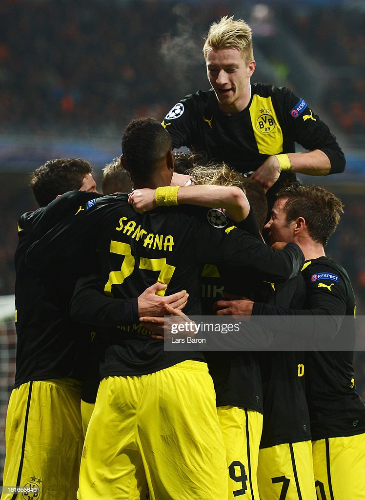 <a gi-track='captionPersonalityLinkClicked' href=/galleries/search?phrase=Mats+Hummels&family=editorial&specificpeople=595395 ng-click='$event.stopPropagation()'>Mats Hummels</a> of Dortmund celebrates after scoring his teams second goal during the UEFA Champions League Round of 16 first leg match between Shakhtar Donetsk and Borussia Dortmund at Donbass Arena on February 13, 2013 in Donetsk, Ukraine.