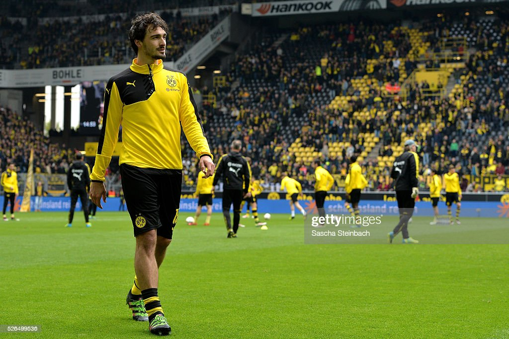 Mats Hummels of Dortmund leaves the pitch during warm up prior to the Bundesliga match between Borussia Dortmund and VfL Wolfsburg at Signal Iduna Park on April 29, 2016 in Dortmund, Germany.