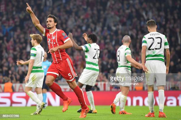 Mats Hummels of FC Bayern Muenchen celebrates scoring his teams third goal during the UEFA Champions League group B match between Bayern Muenchen and...