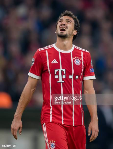 Mats Hummels of FC Bayern Muenchen reacts during the UEFA Champions League group B match between Bayern Muenchen and Celtic FC at Allianz Arena on...