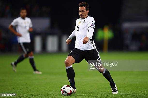 Mats Hummels of Germany controles the ball during the FIFA World Cup 2018 qualifying match between Germany and Czech Republic at Volksparkstadion on...