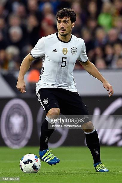 Mats Hummels of Germany controls the ball during the International Friendly match between Germany and Italy at Allianz Arena on March 29 2016 in...