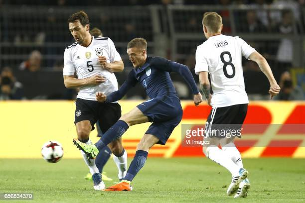 Mats Hummels of Germany Jamie Vardy of England Toni Kroos of Germanyduring the friendly match between Germany and England on March 22 2017 at the...