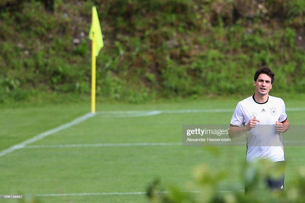 <a gi-track='captionPersonalityLinkClicked' href=/galleries/search?phrase=Mats+Hummels&family=editorial&specificpeople=595395 ng-click='$event.stopPropagation()'>Mats Hummels</a> of Germany runs during a training session at Stadio communale on day 8 of the German national team trainings camp on May 31, 2016 in Ascona, Switzerland.