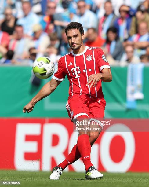 Mats Hummels of Muenchen passes the ball during the DFB Cup first round match between Chemnitzer FC and FC Bayern Muenchen at community4you Arena on...