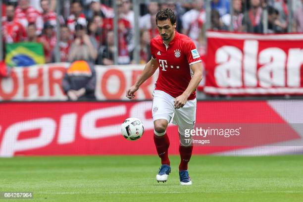 Mats Hummels of Munich controls the ball during the Bundesliga match between Bayern Muenchen and FC Augsburg at Allianz Arena on April 1 2017 in...