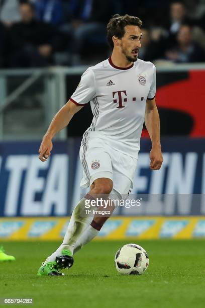 Mats Hummels of Munich controls the ball during the Bundesliga match between TSG 1899 Hoffenheim and Bayern Muenchen at Wirsol RheinNeckarArena on...