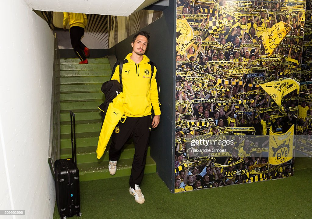 Mats Julian Hummels of Borussia Dortmund arrives at the stadium prior to the Bundesliga match between Borussia Dortmund and Hannover 96 at Signal Iduna Park on February 13, 2016 in Dortmund, Germany.
