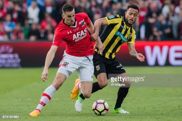 Mats Seuntjens of AZ Lewis Baker of Vitesseduring the Dutch Cup Final match between AZ Alkmaar and Vitesse Arnhem on April 30 2017 at the Kuip...