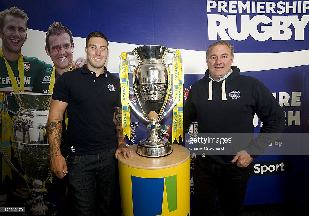 <a gi-track='captionPersonalityLinkClicked' href=/galleries/search?phrase=Matt+Banahan&family=editorial&specificpeople=2156682 ng-click='$event.stopPropagation()'>Matt Banahan</a> and Gary Gold of Bath stands with the Aviva Premiership Trophy during the 2013-14 Aviva Premiership Rugby Season Fixtures Announcement at The BT Tower on July 4, 2013 in London, England.