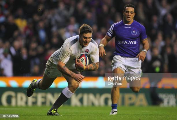 Matt Banahan of England scores a try during the Investec Challenge match between England and Samoa at Twickenham Stadium on November 20 2010 in...