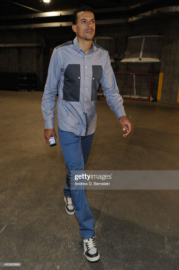 <a gi-track='captionPersonalityLinkClicked' href=/galleries/search?phrase=Matt+Barnes+-+Basketball+Player&family=editorial&specificpeople=202880 ng-click='$event.stopPropagation()'>Matt Barnes</a> #22 of the Los Angeles Clippers arrives at STAPLES Center before a game against the Brooklyn Nets on November 16, 2013 in Los Angeles, California.