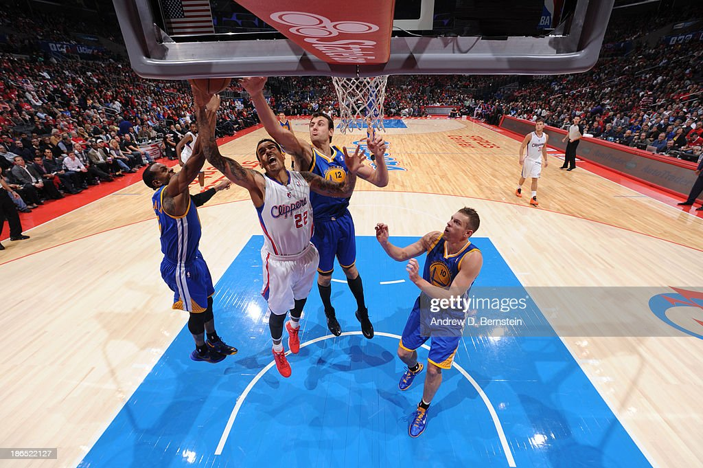 <a gi-track='captionPersonalityLinkClicked' href=/galleries/search?phrase=Matt+Barnes+-+Basketball+Player&family=editorial&specificpeople=202880 ng-click='$event.stopPropagation()'>Matt Barnes</a> #22 of the Los Angeles Clippers attempts a shot against <a gi-track='captionPersonalityLinkClicked' href=/galleries/search?phrase=Andrew+Bogut&family=editorial&specificpeople=207105 ng-click='$event.stopPropagation()'>Andrew Bogut</a> #12 of the Golden State Warriors at STAPLES Center on October 31, 2013 at in Los Angeles, California.
