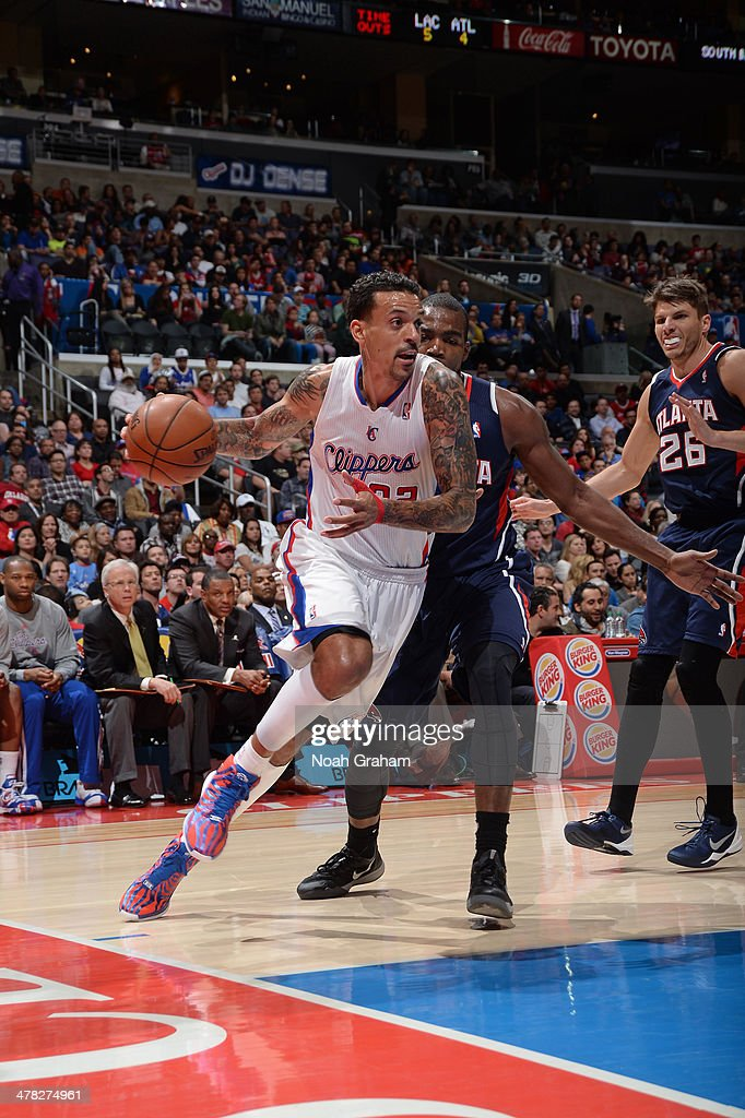 <a gi-track='captionPersonalityLinkClicked' href=/galleries/search?phrase=Matt+Barnes+-+Basketball+Player&family=editorial&specificpeople=202880 ng-click='$event.stopPropagation()'>Matt Barnes</a> #22 of the Los Angeles Clippers drives baseline against the Atlanta Hawks at Staples Center on March 8, 2014 in Los Angeles, California.