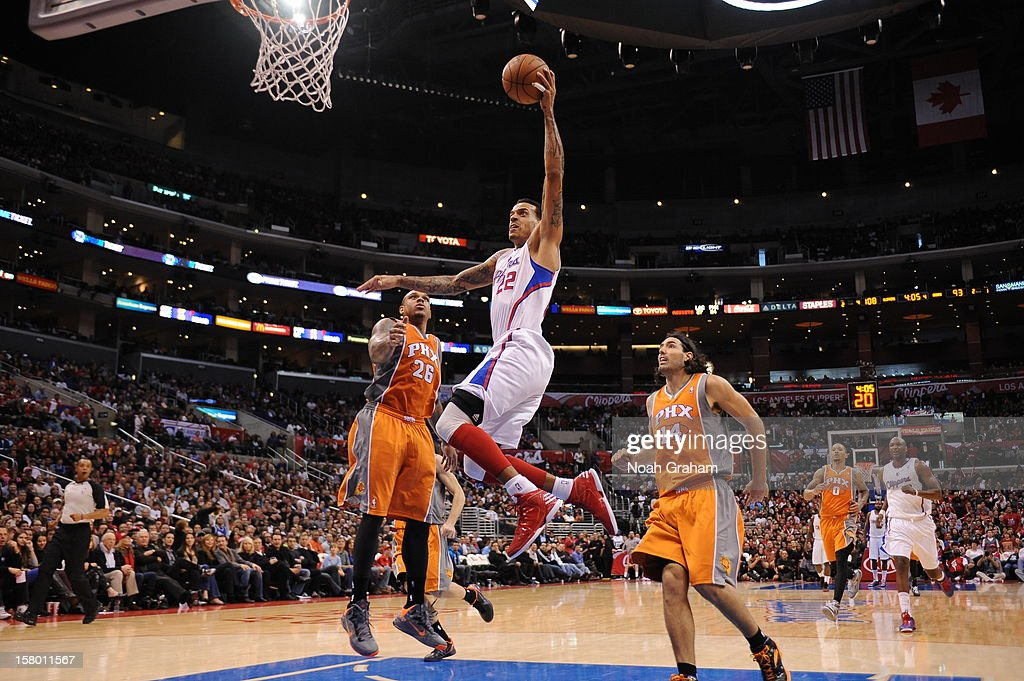 Matt Barnes #22 of the Los Angeles Clippers dunks the ball against the Phoenix Suns at Staples Center on December 8, 2012 in Los Angeles, California.