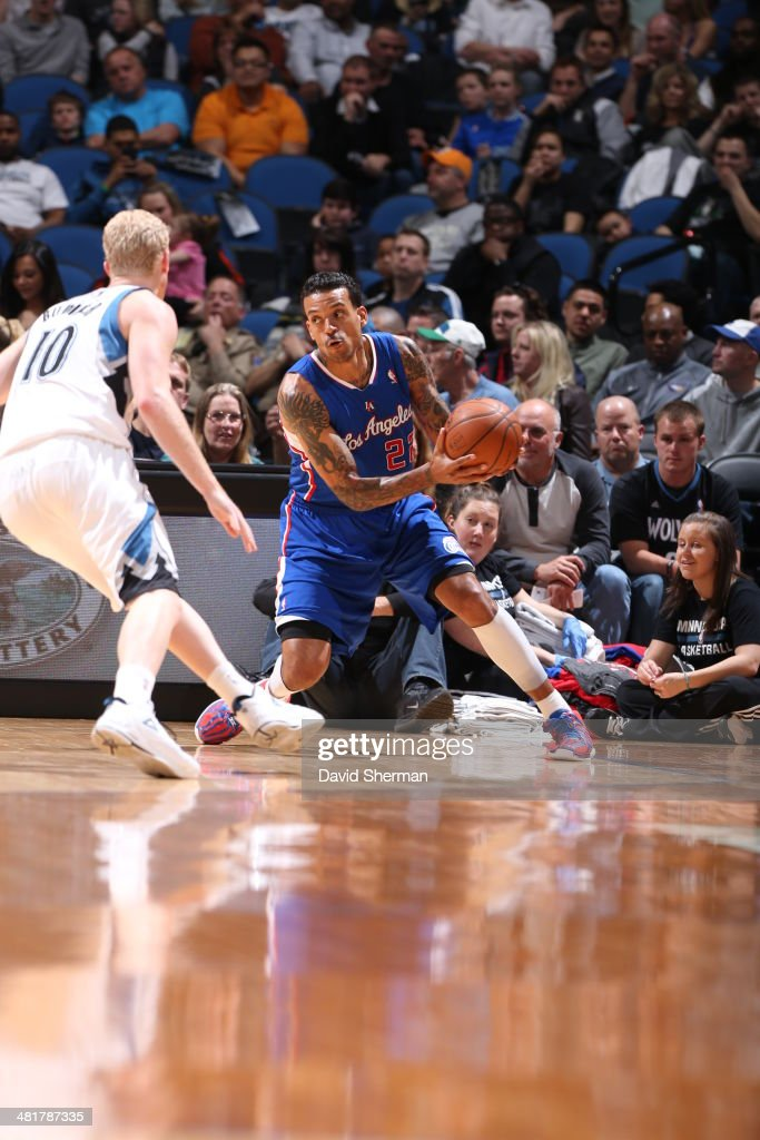 Matt Barnes #22 of the Los Angeles Clippers handles the ball against the Minnesota Timberwolves on March 31, 2014 at Target Center in Minneapolis, Minnesota.