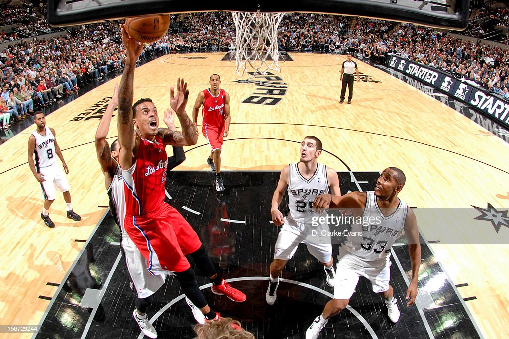 Matt Barnes #22 of the Los Angeles Clippers shoots a layup against the San Antonio Spurs on November 19, 2012 at the AT&T Center in San Antonio, Texas.