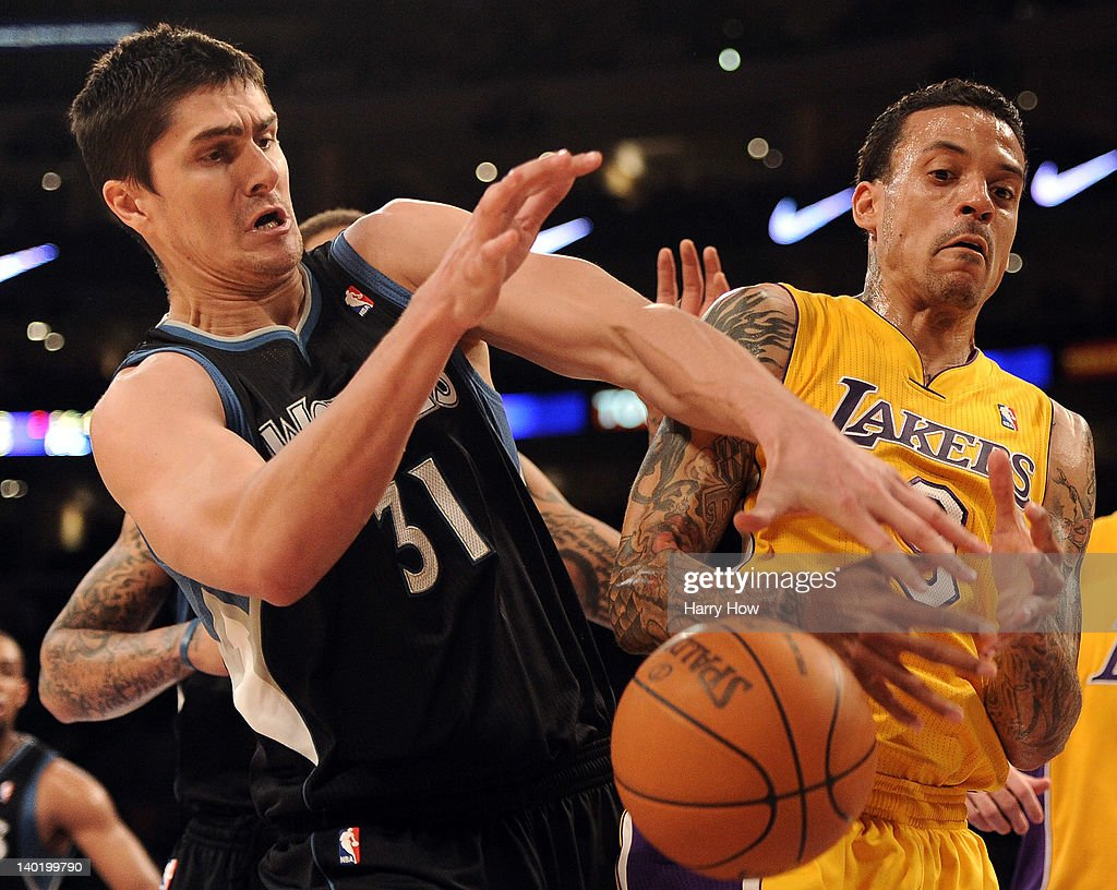<a gi-track='captionPersonalityLinkClicked' href=/galleries/search?phrase=Matt+Barnes+-+Basketballer&family=editorial&specificpeople=202880 ng-click='$event.stopPropagation()'>Matt Barnes</a> #9 of the Los Angeles Lakers and <a gi-track='captionPersonalityLinkClicked' href=/galleries/search?phrase=Darko+Milicic&family=editorial&specificpeople=204586 ng-click='$event.stopPropagation()'>Darko Milicic</a> #31 of the Minnesota Timberwolves battle for a rebound at Staples Center on February 29, 2012 in Los Angeles, California.