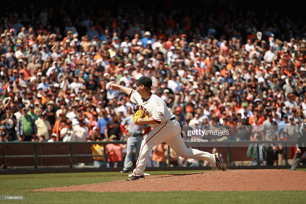 <a gi-track='captionPersonalityLinkClicked' href=/galleries/search?phrase=Matt+Cain&family=editorial&specificpeople=534602 ng-click='$event.stopPropagation()'>Matt Cain</a> #18 of the San Francisco Giants pitches against the Washington Nationals at AT&T Park on June 8, 2011 in San Francisco, California.