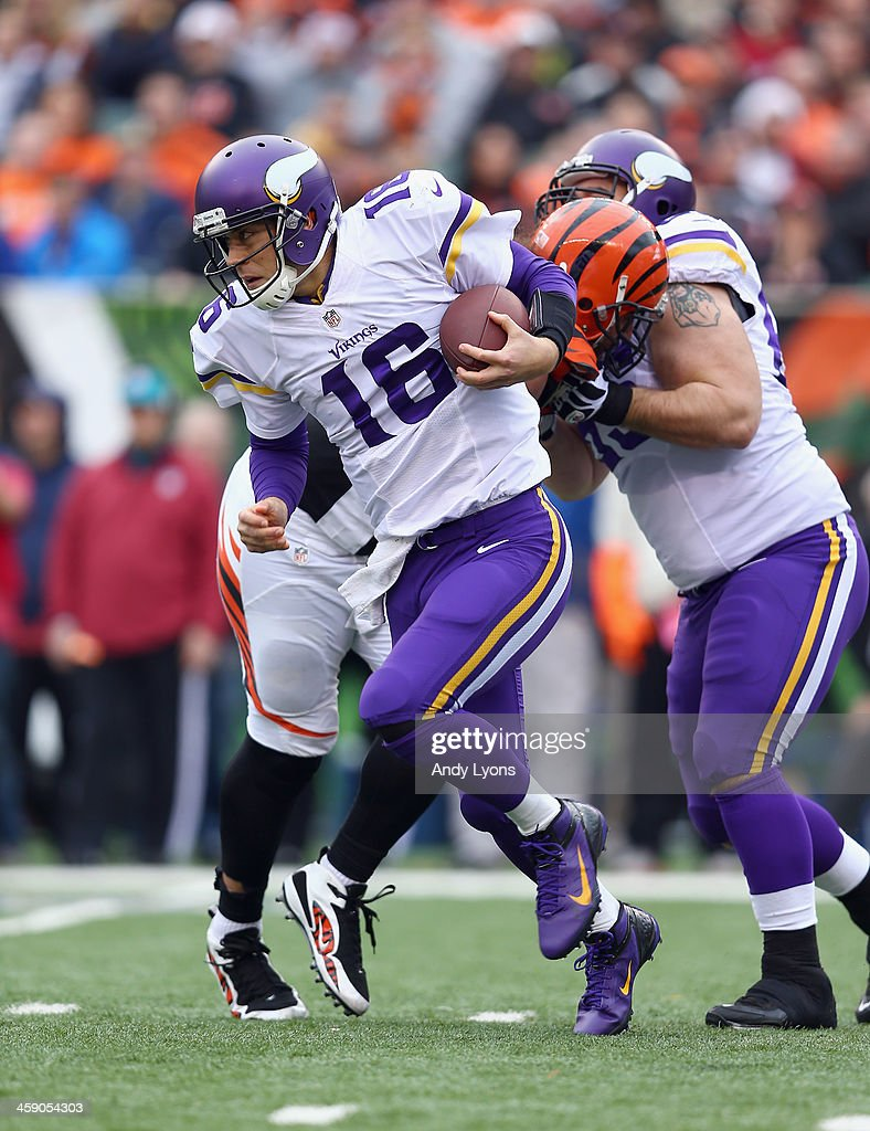 <a gi-track='captionPersonalityLinkClicked' href=/galleries/search?phrase=Matt+Cassel&family=editorial&specificpeople=567575 ng-click='$event.stopPropagation()'>Matt Cassel</a> #16 of the Minnesota Vikings runs with the ball during the NFL game against the Cincinnati Bengals at Paul Brown Stadium on December 22, 2013 in Cincinnati, Ohio.