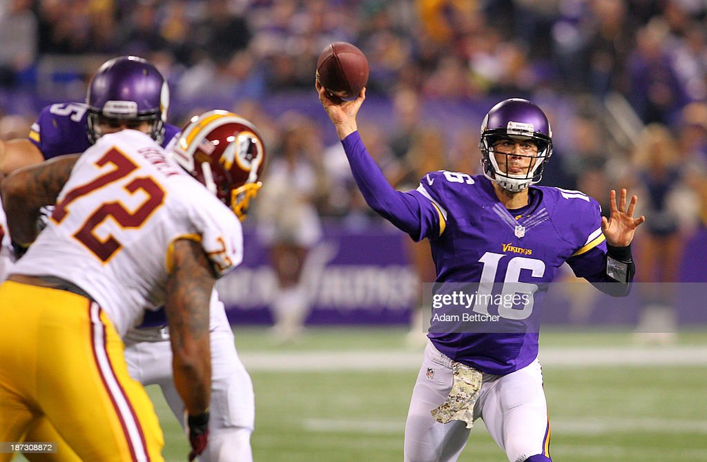 <a gi-track='captionPersonalityLinkClicked' href=/galleries/search?phrase=Matt+Cassel&family=editorial&specificpeople=567575 ng-click='$event.stopPropagation()'>Matt Cassel</a> #16 of the Minnesota Vikings throws a pass against the Washington Redskins on November 7, 2013 at Mall of America Field at the Hubert Humphrey Metrodome in Minneapolis, Minnesota.