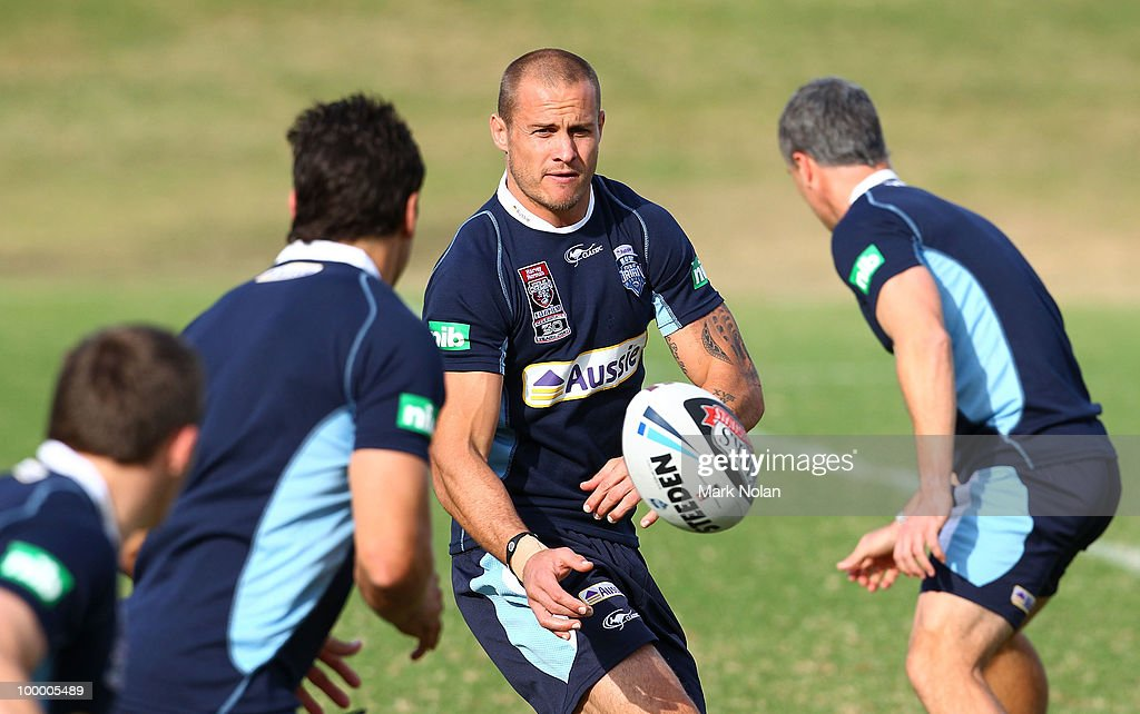 Matt Cooper passes during a New South Wales Origin training session at WIN Stadium on May 20, 2010 in Wollongong, Australia.