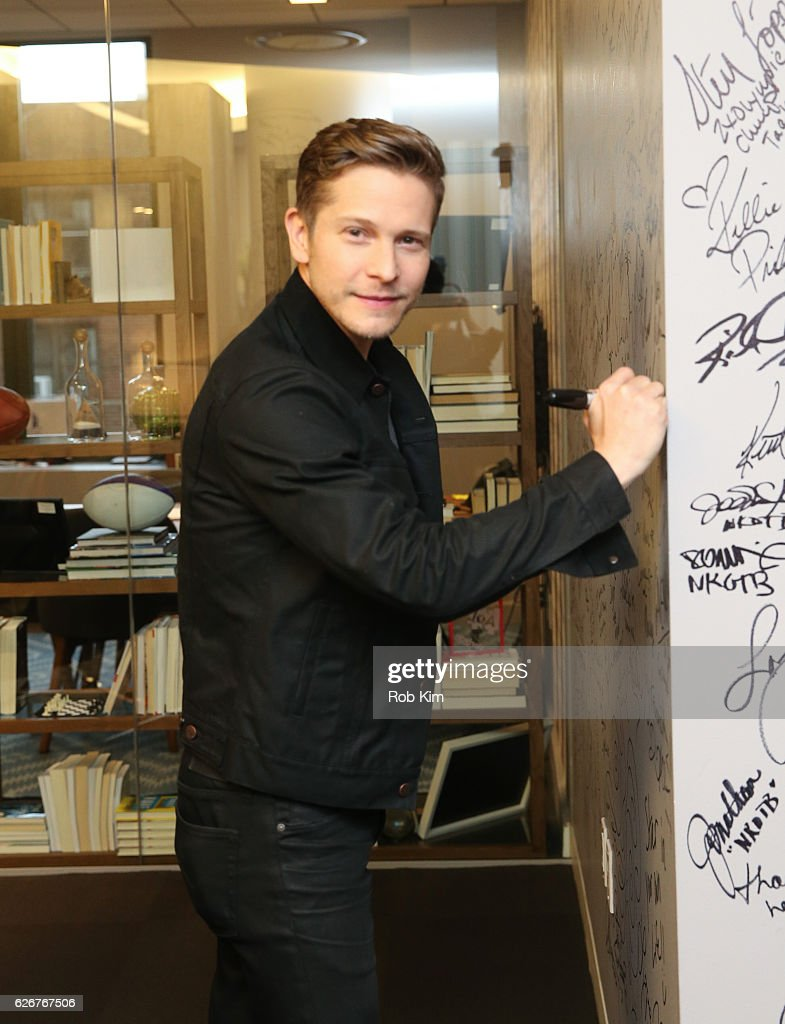 Matt Czuchry signs his autograph at the Build Series at AOL HQ on November 30, 2016 in New York City.