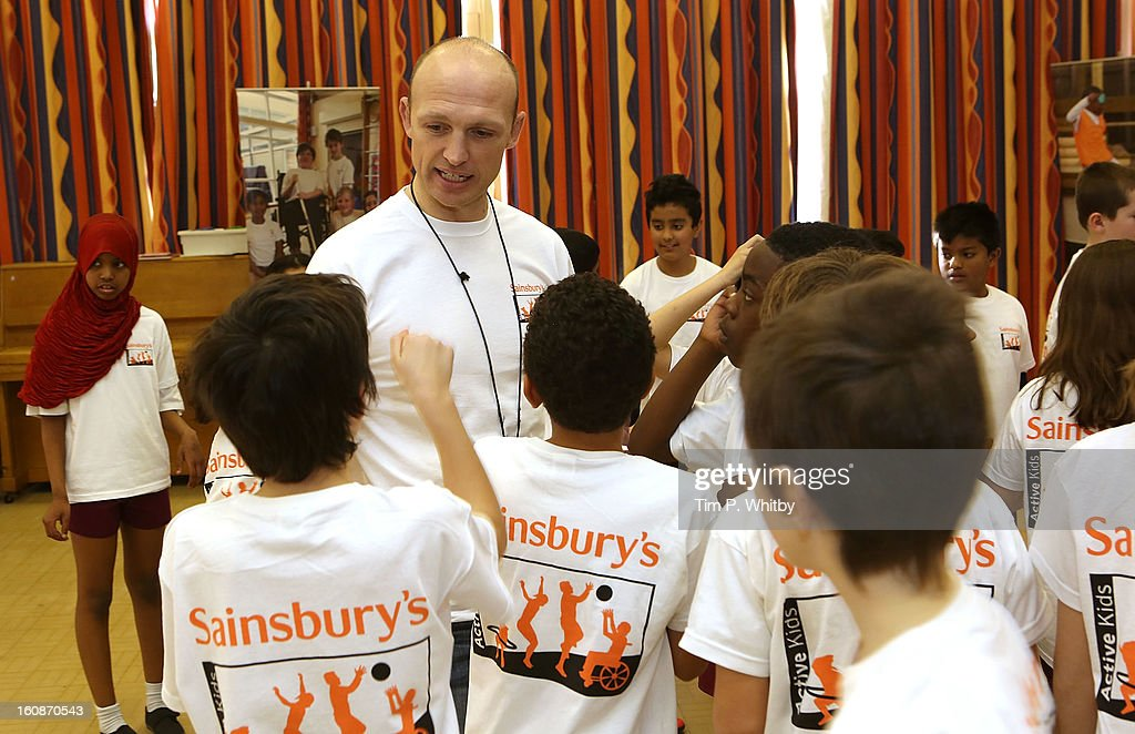 <a gi-track='captionPersonalityLinkClicked' href=/galleries/search?phrase=Matt+Dawson+-+Rugby+Union+Player&family=editorial&specificpeople=204143 ng-click='$event.stopPropagation()'>Matt Dawson</a> visiting Vaughan Primary School in Harrow as part of Sainsbury's Active Kids 2013 scheme, an initiative set up by the supermarket to encourage school children to live a healthier and more active lifestyle on February 7, 2013 in London, United Kingdom.