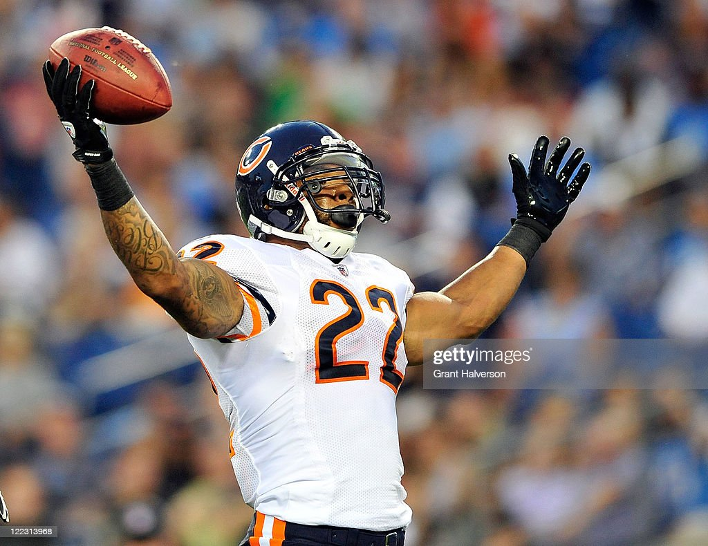<a gi-track='captionPersonalityLinkClicked' href=/galleries/search?phrase=Matt+Forte&family=editorial&specificpeople=2246847 ng-click='$event.stopPropagation()'>Matt Forte</a> #22 of the Chicago Bears celebrates after scoring a touchdown against the Tennessee Titans during a preseason game at LP Field on August 27, 2011 in Nashville, Tennessee.