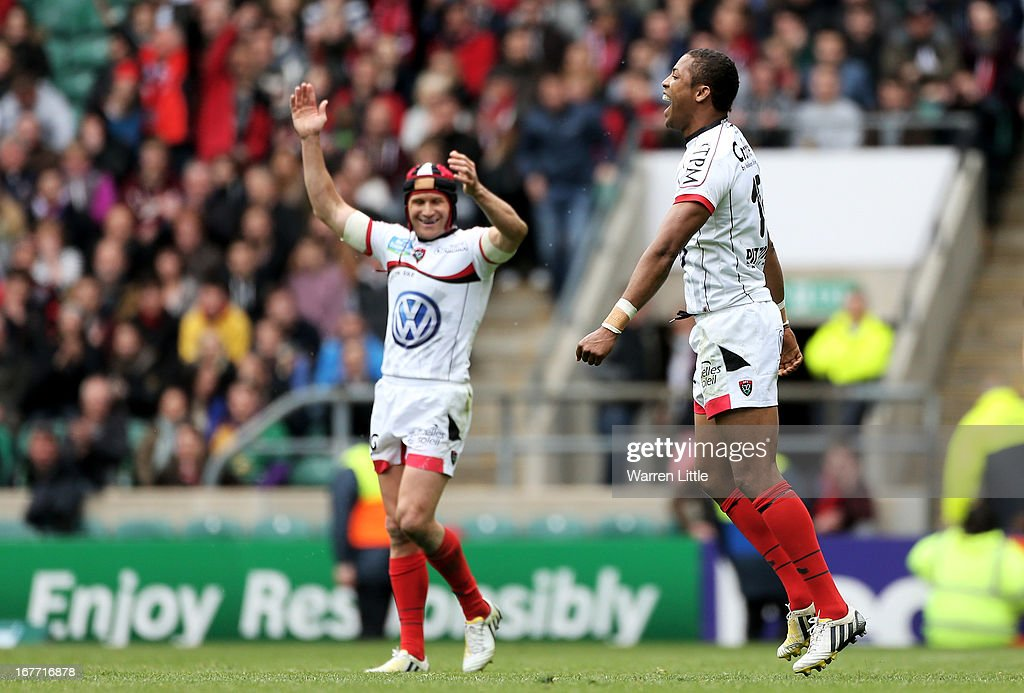 Matt Giteau and Delon Armitage of Toulon celebrate victory on the final whistle during the Heineken Cup semi final between Saracens and Toulon at Twickenham Stadium on April 28, 2013 in London, United Kingdom.
