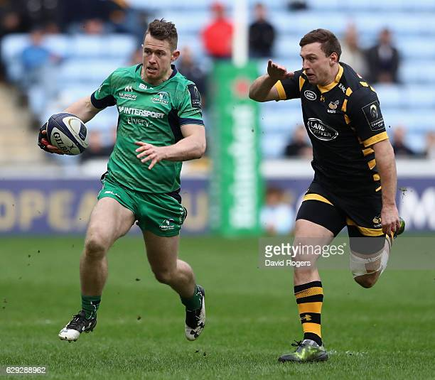 Matt Healy of Connacht breaks with the ball during the European Champions Cup match between Wasps and Connacht at the Ricoh Arena on December 11 2016...