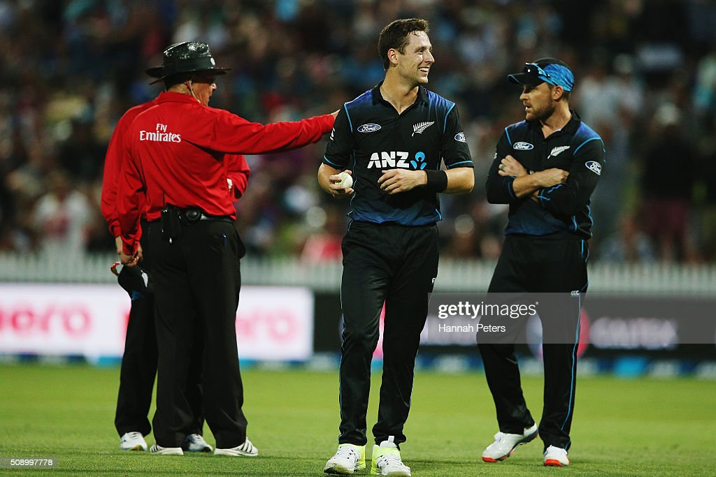 Matt Henry of the Black Caps reacts after the umpires call for a replay on the wicket of Mitchell Marsh of Australia during the 3rd One Day International cricket match between the New Zealand Black Caps and Australia at Seddon Park on February 8, 2016 in Hamilton, New Zealand.