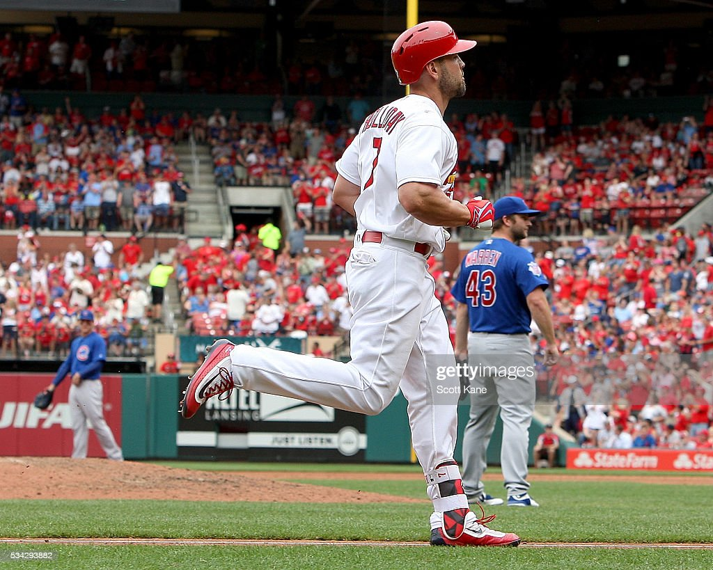 <a gi-track='captionPersonalityLinkClicked' href=/galleries/search?phrase=Matt+Holliday&family=editorial&specificpeople=207017 ng-click='$event.stopPropagation()'>Matt Holliday</a> #7 of the St. Louis Cardinals runs the bases after hitting a three-run home run during the sixth inning of a baseball game against the Chicago Cubs at Busch Stadium on May 25, 2016 in St. Louis, Missouri.