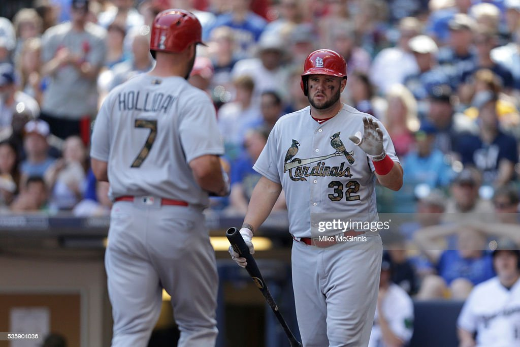 <a gi-track='captionPersonalityLinkClicked' href=/galleries/search?phrase=Matt+Holliday&family=editorial&specificpeople=207017 ng-click='$event.stopPropagation()'>Matt Holliday</a> #7 of the St. Louis Cardinals runs the bases after hitting a solo home run in the seventh inning against the Milwaukee Brewers at Miller Park on May 30, 2016 in Milwaukee, Wisconsin.