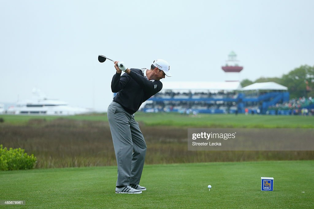 <a gi-track='captionPersonalityLinkClicked' href=/galleries/search?phrase=Matt+Kuchar&family=editorial&specificpeople=243226 ng-click='$event.stopPropagation()'>Matt Kuchar</a> hits a tee shot on the 18th hole during the third round of the RBC Heritage at Harbour Town Golf Links on April 19, 2014 in Hilton Head Island, South Carolina.