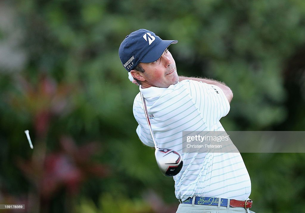 Matt Kuchar hits a tee shot on the first hole during the final round of the Hyundai Tournament of Champions at the Plantation Course on January 8, 2013 in Kapalua, Hawaii.