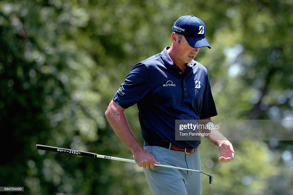 <a gi-track='captionPersonalityLinkClicked' href=/galleries/search?phrase=Matt+Kuchar&family=editorial&specificpeople=243226 ng-click='$event.stopPropagation()'>Matt Kuchar</a> walks off the 11th green during the Second Round of the DEAN & DELUCA Invitational at Colonial Country Club on May 27, 2016 in Fort Worth, Texas.