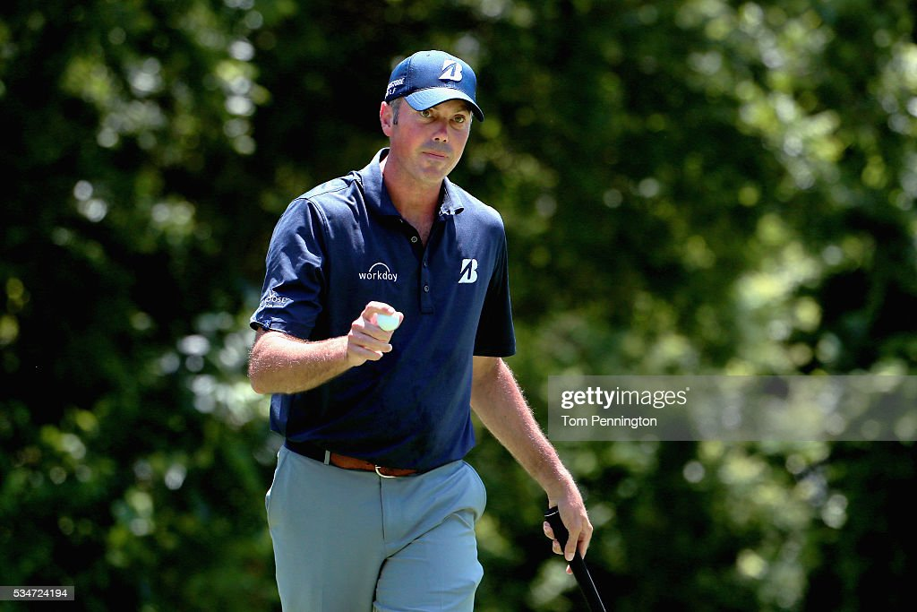 <a gi-track='captionPersonalityLinkClicked' href=/galleries/search?phrase=Matt+Kuchar&family=editorial&specificpeople=243226 ng-click='$event.stopPropagation()'>Matt Kuchar</a> waves to the gallery on the 11th green during the Second Round of the DEAN & DELUCA Invitational at Colonial Country Club on May 27, 2016 in Fort Worth, Texas.
