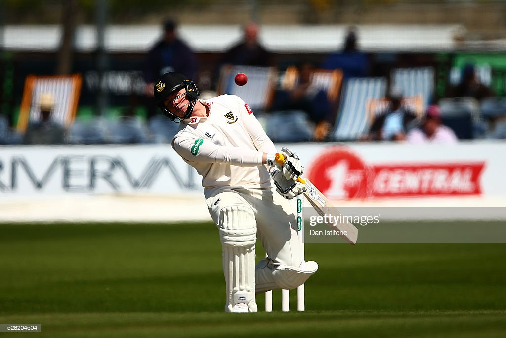 <a gi-track='captionPersonalityLinkClicked' href=/galleries/search?phrase=Matt+Machan&family=editorial&specificpeople=6888490 ng-click='$event.stopPropagation()'>Matt Machan</a> of Sussex evades a bouncer during the Specsavers County Championship Division Two match between Sussex and Leicestershire at The 1st Central County Ground on May 4, 2016 in Hove, England.