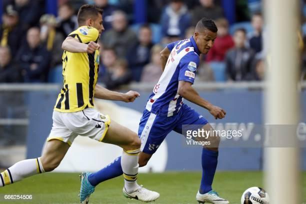 Matt Miazga of Vitesse Luciano Slagveer of sc Heerenveenduring the Dutch Eredivisie match between Vitesse Arnhem and sc Heerenveen at Gelredome on...