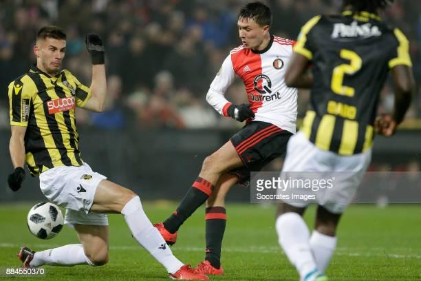 Matt Miazga of Vitesse Steven Berghuis of Feyenoord during the Dutch Eredivisie match between Feyenoord v Vitesse at the Stadium Feijenoord on...