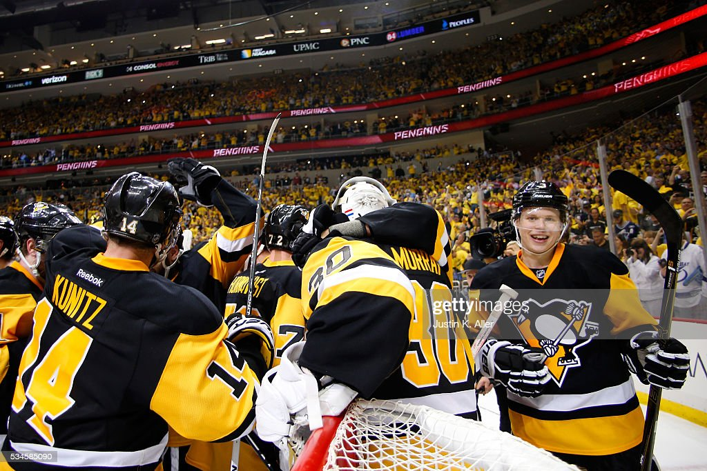 Matt Murray #30 of the Pittsburgh Penguins celebrates with his teammates after defeating the Tampa Bay Lightning in Game Seven of the Eastern Conference Final with a score of 2 to 1 during the 2016 NHL Stanley Cup Playoffs at Consol Energy Center on May 26, 2016 in Pittsburgh, Pennsylvania.