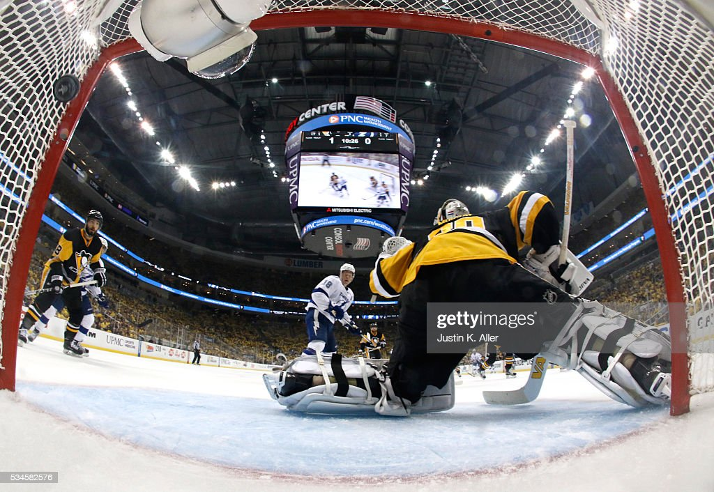 <a gi-track='captionPersonalityLinkClicked' href=/galleries/search?phrase=Matt+Murray+-+Ice+Hockey+Player&family=editorial&specificpeople=15609595 ng-click='$event.stopPropagation()'>Matt Murray</a> #30 of the Pittsburgh Penguins gives up a goal to Jonathan Drouin #27 of the Tampa Bay Lightning during the second period in Game Seven of the Eastern Conference Final during the 2016 NHL Stanley Cup Playoffs at Consol Energy Center on May 26, 2016 in Pittsburgh, Pennsylvania.