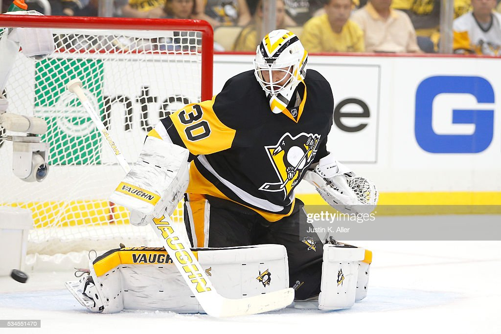 <a gi-track='captionPersonalityLinkClicked' href=/galleries/search?phrase=Matt+Murray+-+Ishockeyspelare&family=editorial&specificpeople=15609595 ng-click='$event.stopPropagation()'>Matt Murray</a> #30 of the Pittsburgh Penguins tends goal during the first period against the Tampa Bay Lightning in Game Seven of the Eastern Conference Final during the 2016 NHL Stanley Cup Playoffs at Consol Energy Center on May 26, 2016 in Pittsburgh, Pennsylvania.