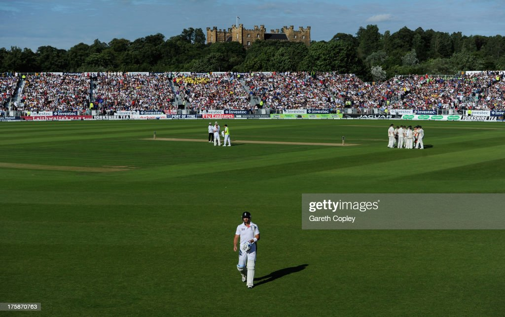 <a gi-track='captionPersonalityLinkClicked' href=/galleries/search?phrase=Matt+Prior+-+Cricket+Player&family=editorial&specificpeople=13652111 ng-click='$event.stopPropagation()'>Matt Prior</a> of England leaves the field after being dismissed by <a gi-track='captionPersonalityLinkClicked' href=/galleries/search?phrase=Peter+Siddle&family=editorial&specificpeople=2104718 ng-click='$event.stopPropagation()'>Peter Siddle</a> of Australia during day one of 4th Investec Ashes Test match between England and Australia at Emirates Durham ICG on August 09, 2013 in Chester-le-Street, England.