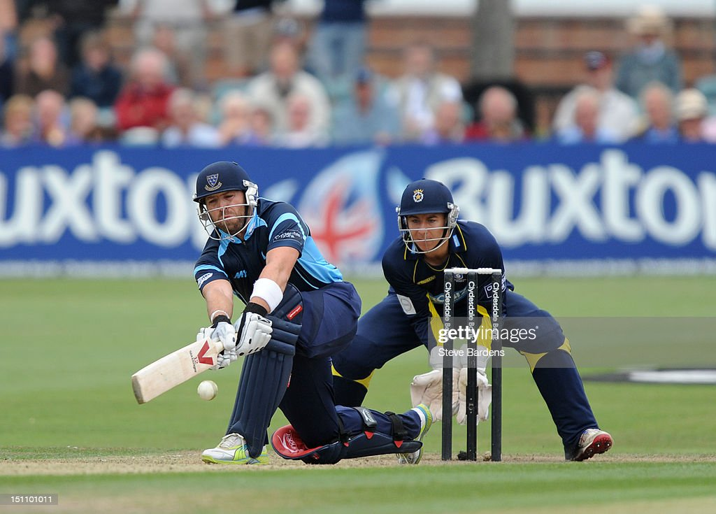 <a gi-track='captionPersonalityLinkClicked' href=/galleries/search?phrase=Matt+Prior+-+Cricket+Player&family=editorial&specificpeople=13652111 ng-click='$event.stopPropagation()'>Matt Prior</a> of Sussex Sharks plays a shot during the Clydesdale Bank Pro40 semi final match between Sussex and Hampshire at the Probiz County Ground on September 1, 2012 in Hove, England.